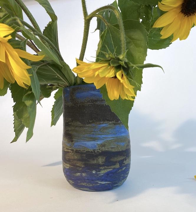 spor vase front view w flowers 1 copy